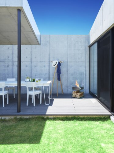 Private Residence Courtyard - Designer Fireplaces