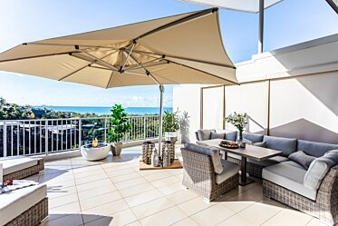 Outdoor Balcony - Fire Pits
