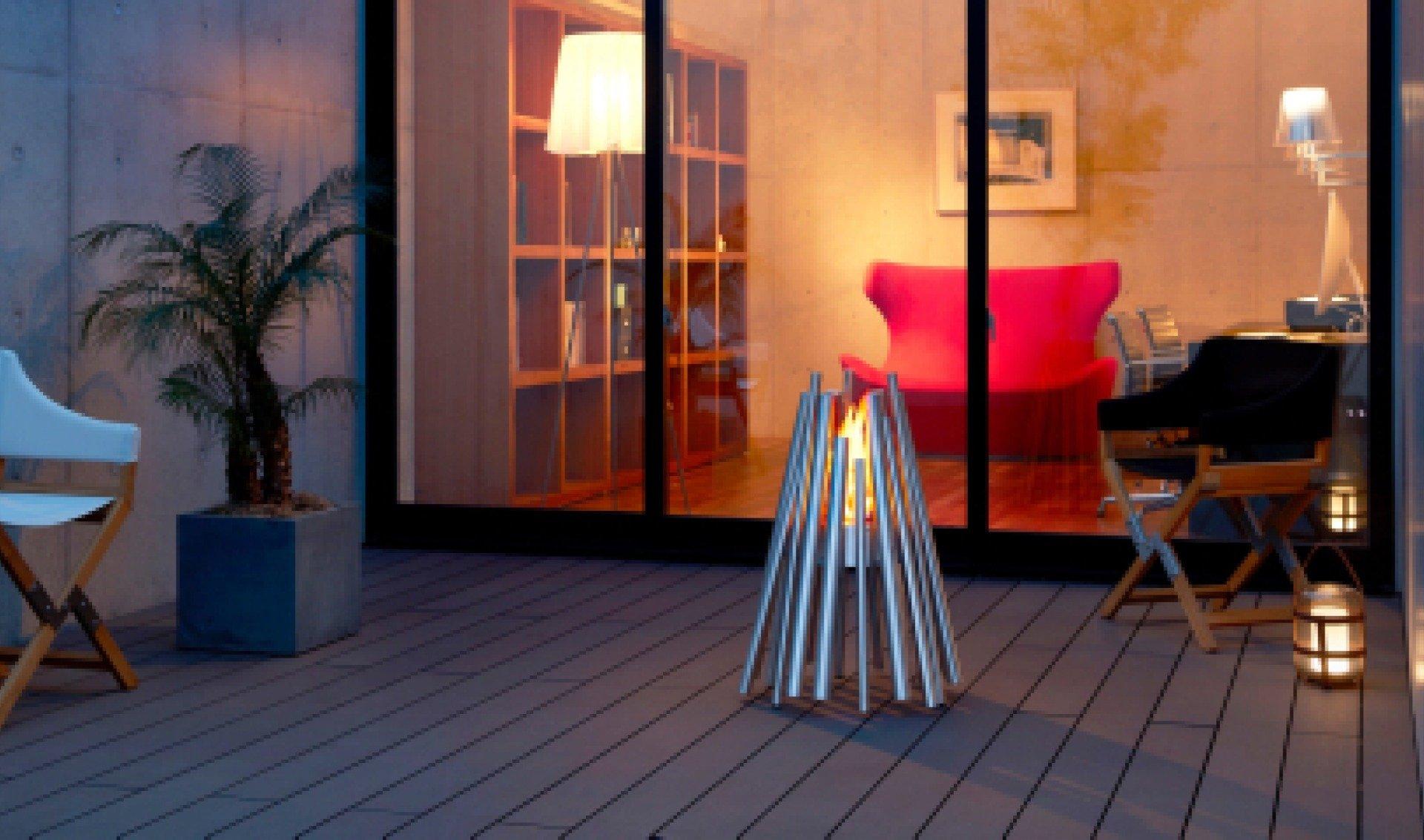 005-Stix-stainless-steel-outdoor-residential-patio-deck-night-hz.jpg